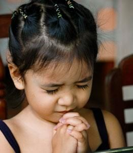 praying-with-eyes-closed